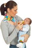 Chá bebendo do bebê para grampos Foto de Stock