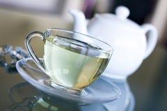Chá branco no copo transparente Fotografia de Stock