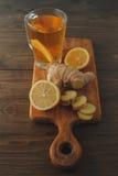 Chá com limão e gengibre Fotos de Stock Royalty Free