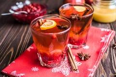 Chá com limão e mel no fundo de madeira Foto de Stock