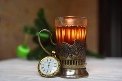 Chá com o limão em meu suporte de copo com colher Fotografia de Stock Royalty Free