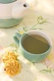 Chá da manhã com bolinho Foto de Stock Royalty Free