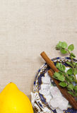 Chá de chai do indiano no fundo branco fotografia de stock royalty free