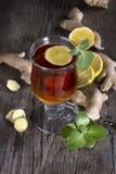 Chá do gengibre com hortelã e limão Fotos de Stock