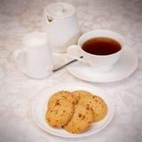 Chá e cookies Foto de Stock Royalty Free