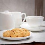 Chá e cookies Fotos de Stock Royalty Free