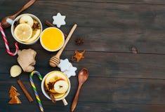 Chá e ingredientes temperados para o chá da fabricação de cerveja Imagens de Stock