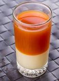 Chá e leite condensado imagem de stock