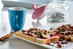 Chá e sanduíches Imagens de Stock Royalty Free