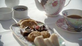 Chá e sobremesas extravagantes filme