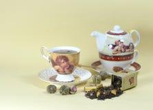 Chá e tea-pot imagem de stock
