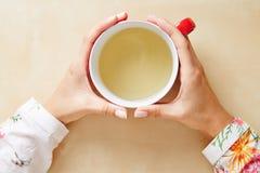 Chá em um copo de cima de foto de stock