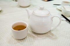 Chá no jantar chinês foto de stock royalty free