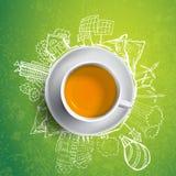 Chá preto com garatujas da ecologia do círculo Elementos esboçados do eco com o copo do chá verde, ilustração do vetor Fotografia de Stock