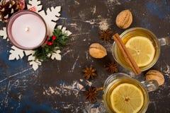 Chá quente com limão e canela Foto de Stock