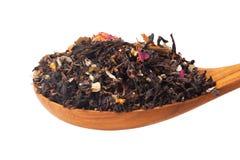 Chá seco em colheres de madeira Fotos de Stock Royalty Free