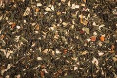 Chá seco verde aromático com certos frutos Fotografia de Stock