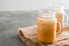 Chá tailandês do leite imagens de stock royalty free