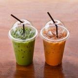 Chá verde e leite congelados fotografia de stock