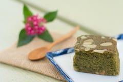 Chá verde (Matcha) Blondies imagem de stock