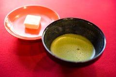 Chá verde tradicional de Matcha do japonês fotos de stock