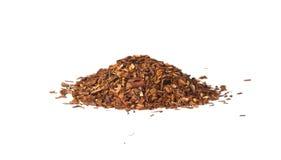 Chá vermelho frouxo de Rooibos, isolado Fotografia de Stock Royalty Free