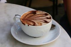 Chávena de café (cappucino) Fotos de Stock Royalty Free