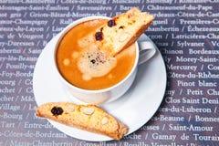 Chávena de café com biscotti Foto de Stock Royalty Free