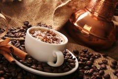Chávena de café com canela Foto de Stock