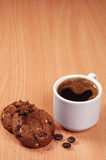 Chávena de café e bolinhos Fotos de Stock
