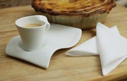 A chávena de café e a HOME fizeram a torta Imagem de Stock