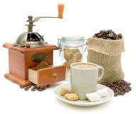 Chávena de café em um fundo branco imagem de stock