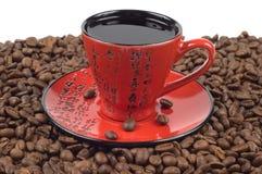 Chávena de café oriental vermelha e preta Fotografia de Stock Royalty Free