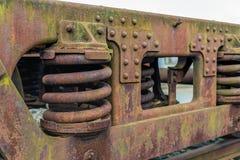 Châssis rouillé d'un vieux chariot de fret Image libre de droits