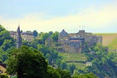 Château à bord du Rhin photos stock