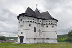Château-église de Pokrova Photographie stock libre de droits