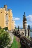 Château allemand Stolzenfels avec la chapelle, Koblenz photos libres de droits