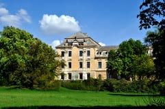 Château avec le ciel bleu Images libres de droits