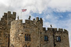 Château d'Alnwick - le siège du duc du Northumberland image stock