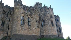 Château d'Alnwick un beau jour ensoleillé image stock