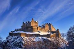 Château d'Edimbourg en coucher du soleil de l'hiver Images libres de droits