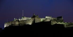 Château d'Edimbourg la nuit Images libres de droits