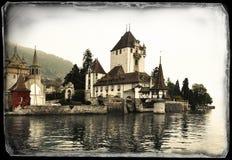 Château d'Oberhofen sur le lac de Thun, Suisse Photos libres de droits