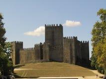 Château dans la colline photos libres de droits
