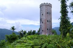 Château dans la forêt tropicale photo libre de droits