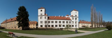 Château dans la ville Bucovice dans la République Tchèque photographie stock libre de droits