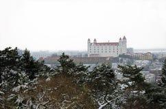 Château de Bratislava en hiver Photographie stock libre de droits