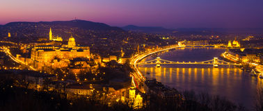 Château de Budapest la nuit, Hongrie, l'Europe Photo stock