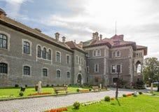 Château de Cantacuzino en Roumanie un jour ensoleillé photos stock