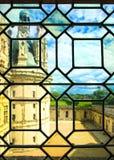Château de Chateau de Chambord, vue par un vitrail. La Loire, image stock